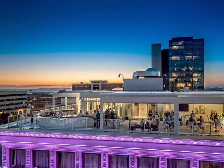VUE Rooftop Lounge 2